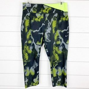 Nike Dri Fit Running Twisted Camo Crop Tights Pant